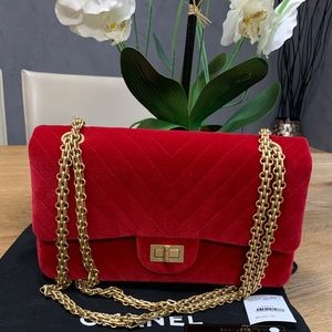 Chanel 2.55 reissue classic flap bag
